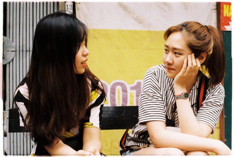 女性二人の会話